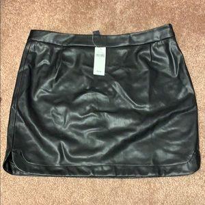 Black leather gap skirt